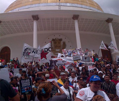 Parlamento venezolano recibe a los colectivos de defensa animal