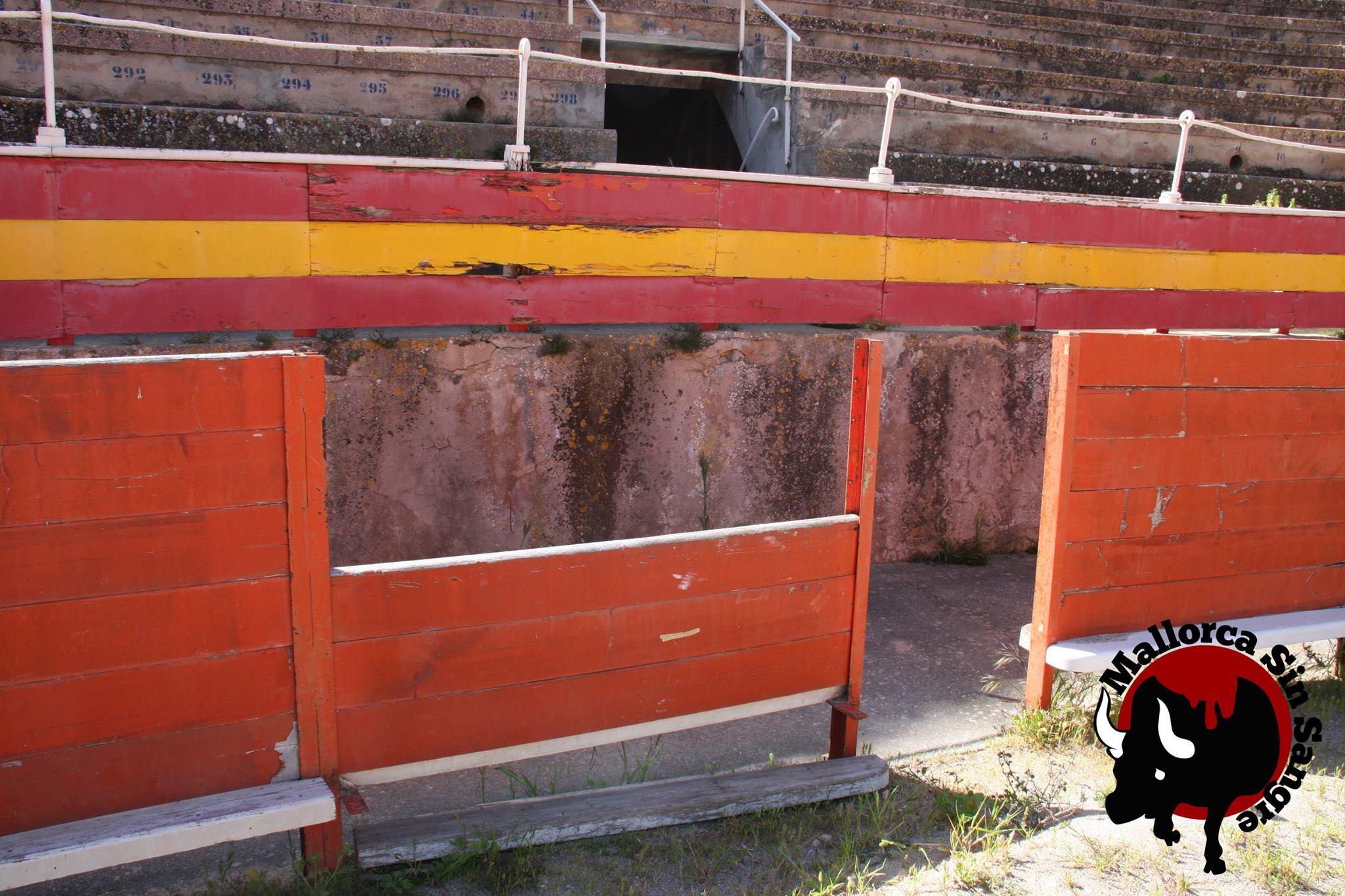 Mallorca Sense Sang lamenta que se pongan vidas humanas en juego por el estado de la plaza de toros de Palma de Mallorca
