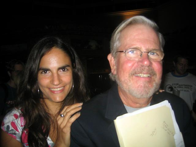 Leonora Esquivel Frías junto a Tom Regan, 2004.