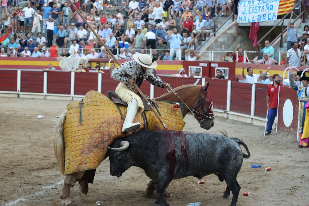 Expediente al Ajuntament de Muro por la compra de 400 entradas para ir a los toros