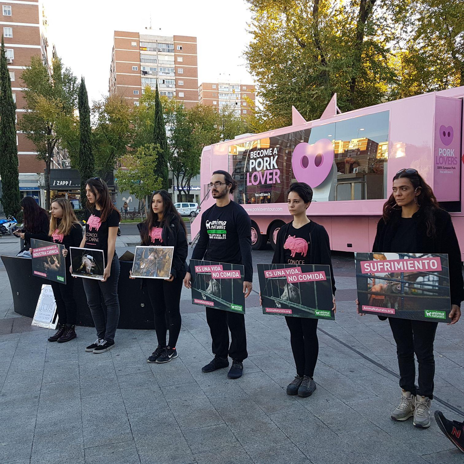 Pork Lovers Tour se suspende dos días antes por presión de los animalistas