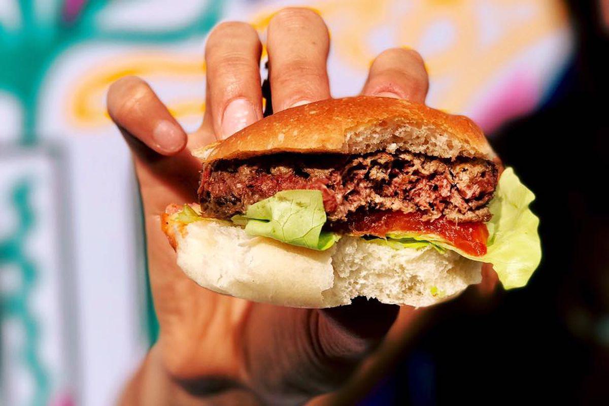 Impossible Burger recibe aprobación de la FDA para su consumo masivo
