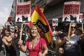 Unas 500 personas reclaman la abolición del Toro  de la Vega