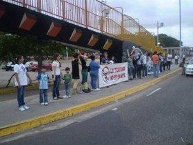 Jóvenes protestan corridas en Maracaibo