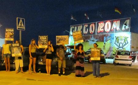 AnimaNaturalis vuelve a concentrarse en Ibiza contra el Circo Roma