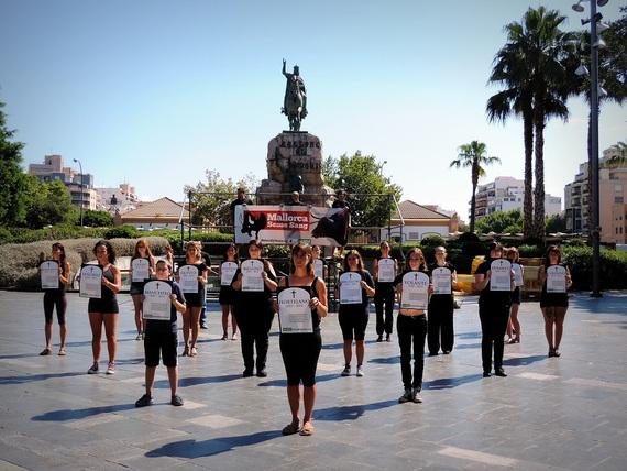 """Funeral antitaurino para presentar la Campaña """"Mallorca Sin Sangre"""""""