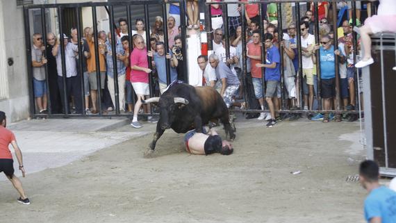 Borriana suspende sus 'bous al carrer' al quedarse sin ambulancias por la cantidad de heridos
