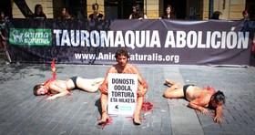 ¡Acto de AnimaNaturalis marca el fin de las corridas de toros en Donosti!