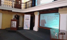 La Dra.                                            Leonora Esquivel impartió                                            interesante conferencia en                                            Xalapa